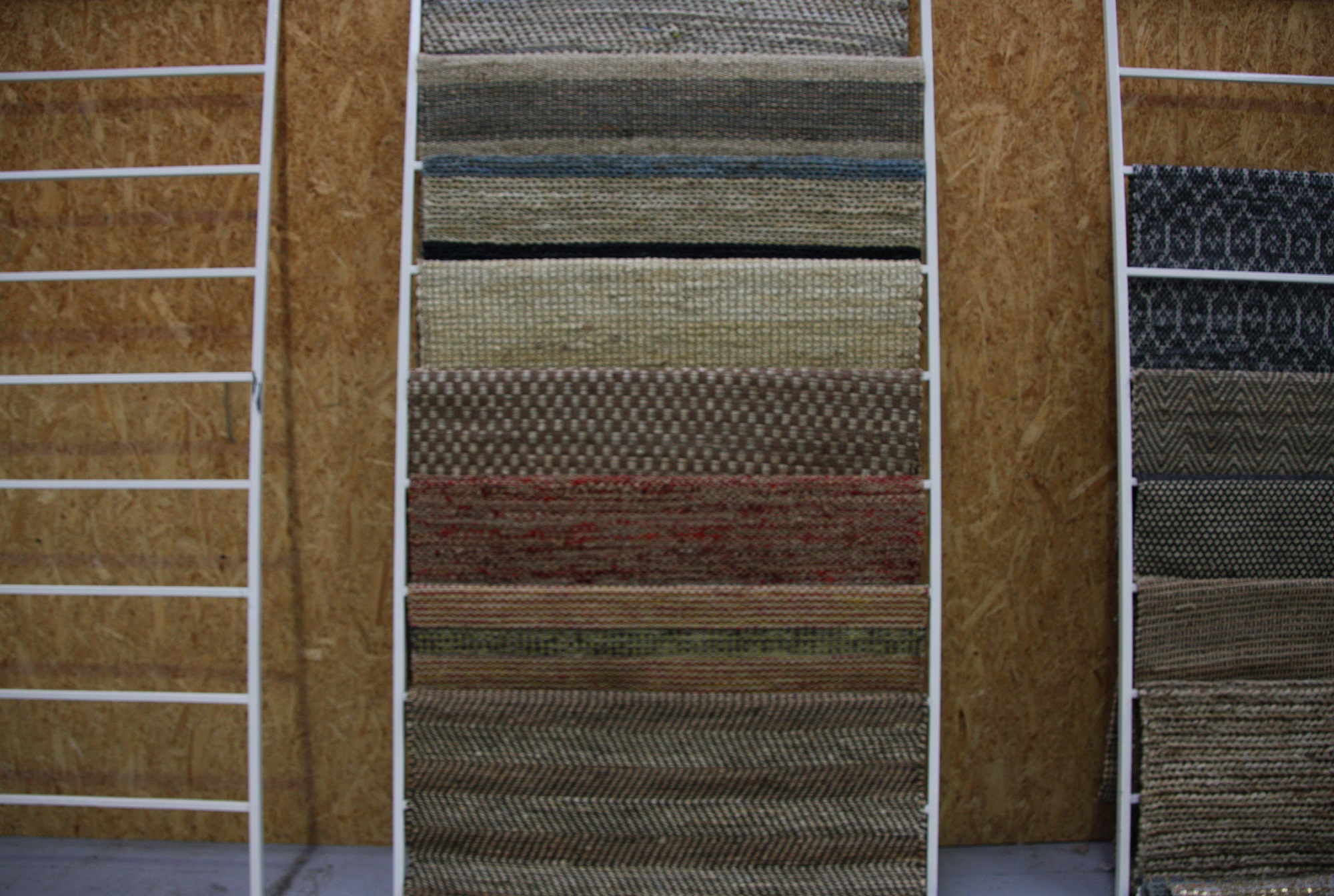Display Stand For Rugs Medium